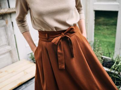 Jak dobrać fason spódnicy do kształtu bioder?