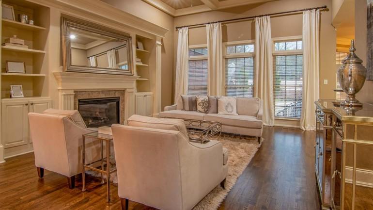 Jaki dywan wybrać do salonu? Modne propozycje!