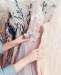 3 sukienki, w których świetnie zaprezentujesz się na eleganckich przyjęciach