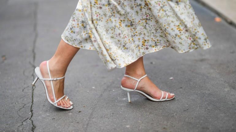 Najmodniejsze buty i torebki na sezon wiosna-lato 2021