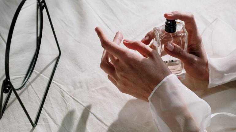 Zapachy dla dojrzałych kobiet – jak je dobierać?