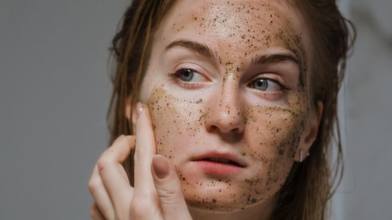 Jak dbać o skórę latem? Zobacz, o czym musisz pamiętać